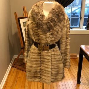 Jackets & Blazers - ABSOLUTELY STUNNING FOX VINTAGE FUR COAT